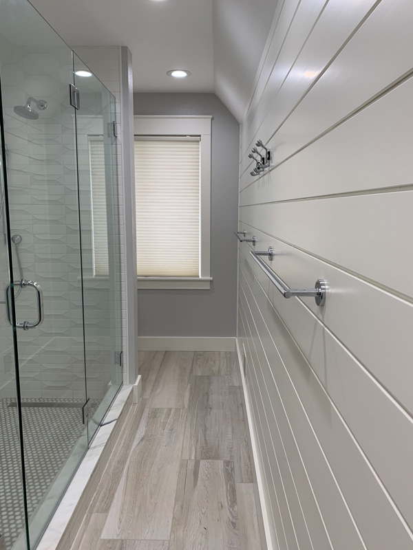 Rhee Bath Shiplap Wall